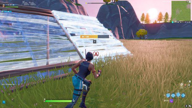 Building sideways ramps in Fortnite by using double movement keybinds